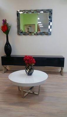 סט שולחן מזנון ומראה